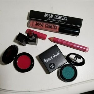 Other - 🎁FREE Make up bundle lipstick eyeshadow